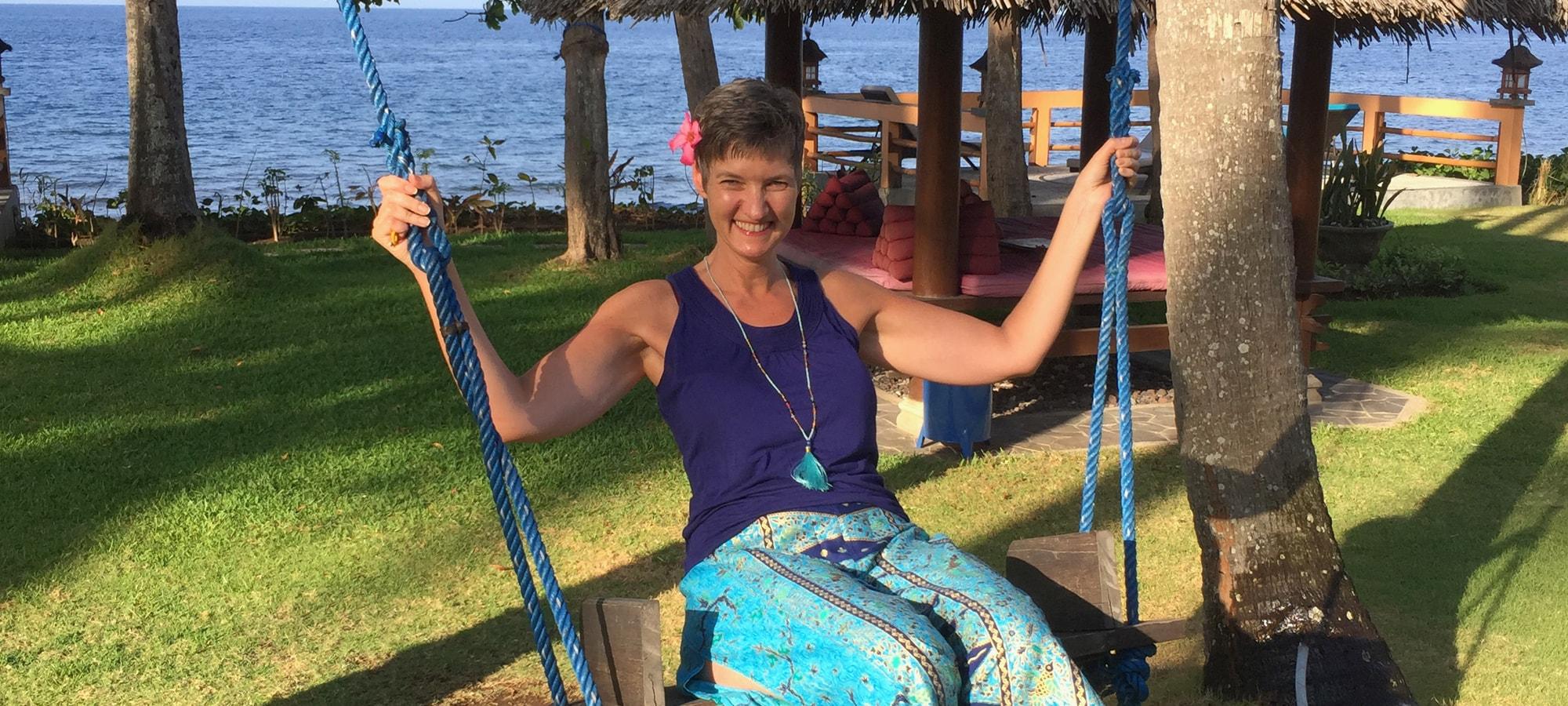 Meditation_auf_der_Schaukel_auf_Bali